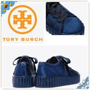 🆕 Tory Burch Scallop Satin Sneakers